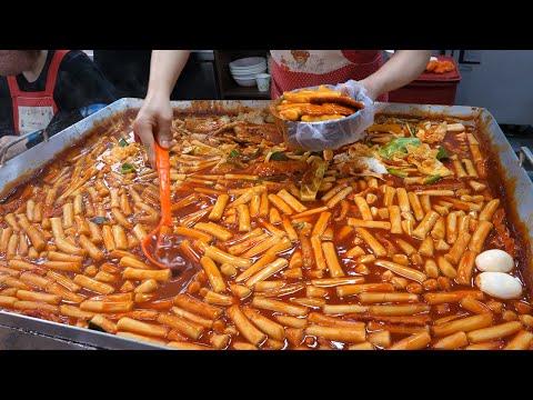 대구에서 유명한 1500원 방촌시장 떡볶이 / Popular snacks in the Korean market - korean street food