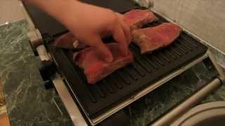 Обжаренное мясо на гриле Bork G801(Всем привет!!! Для рецепта нам понадобиться: 1)450 грамм свиной шейки(нарезать толщиной 2-3 см) 2)450 грамм говяжье..., 2013-04-25T14:57:54.000Z)