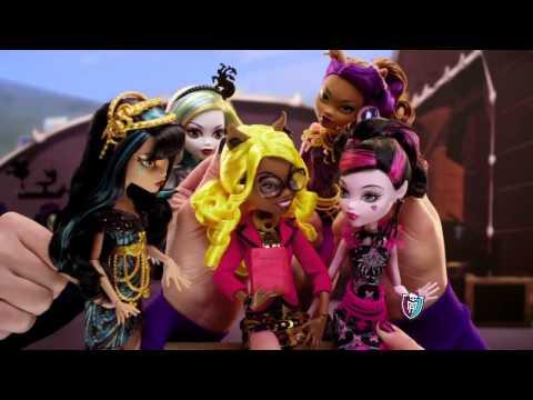 Видео Куклы Монстр Хай Clawdia Wolf and Viperine Gorgon (Страх! Камера! Мотор!) - 2014