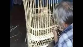 Высший класс плетения кресла из ивовой лозы.(Старое видео)
