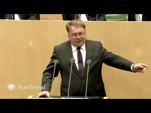 Staatsminister Helmut Brunner im Bundesrat am 10. März 2017 - Bayern