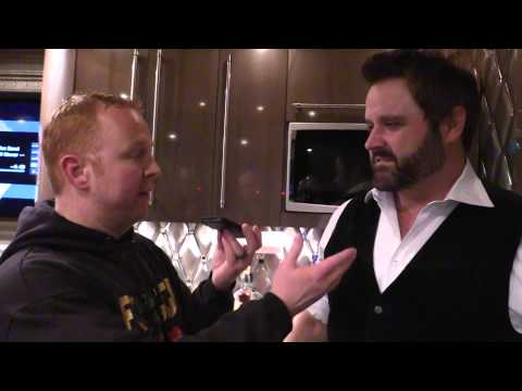 Froggy talks to Randy Houser Backstage