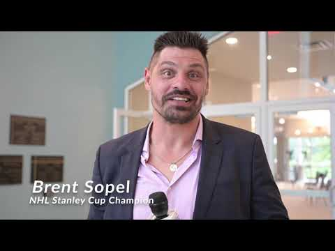 Brent Sopel addresses freshmen students at Beacon College 2020 Convocation [LakeFrontTV segment]