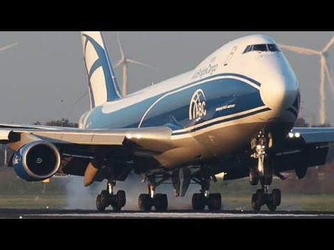 Boeing 747 NEW generation vs. Boeing 747 CLASSIC