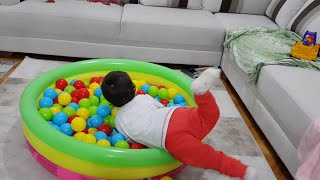 Berat Top Havuzuna Atladı