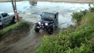 Repeat youtube video Playa Paraiso Fev 2011 Jeep Toyota
