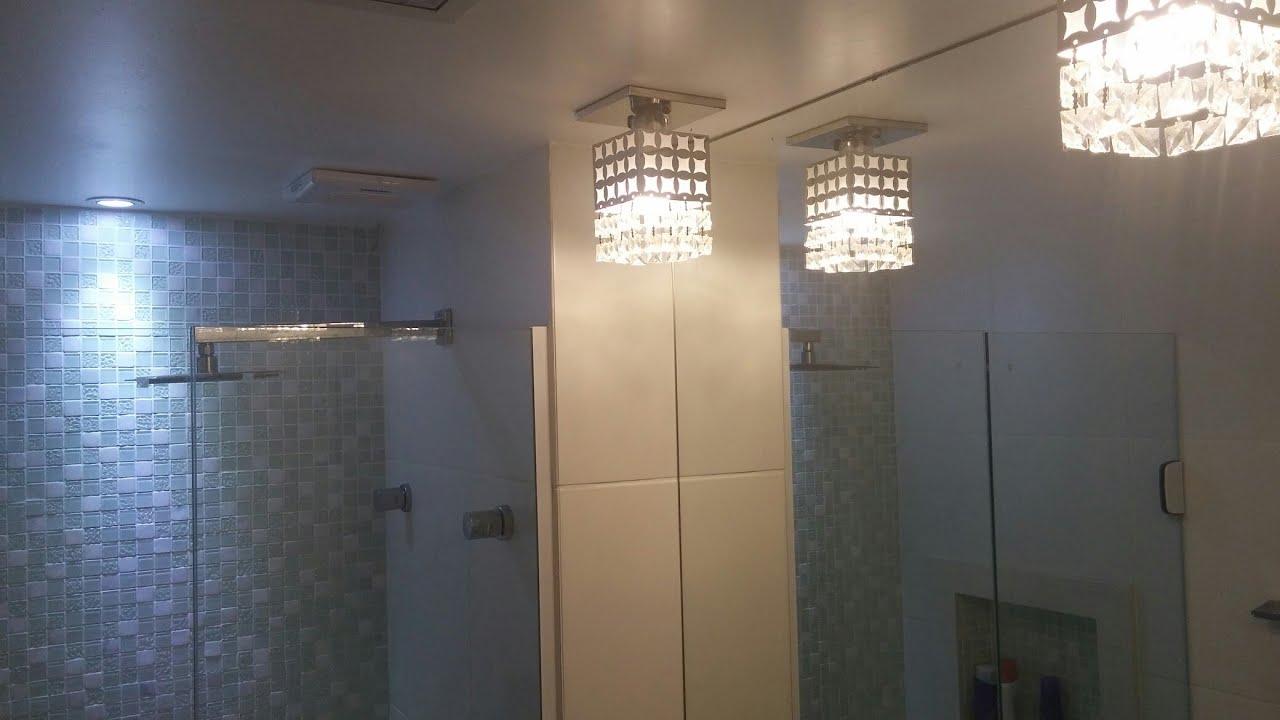 BANHEIRO SUÍTE com Pastilha de Vidro e Efeito 3D com SPOT de LED  YouTube # Banheiro Com Pastilha De Vidro Espelhada