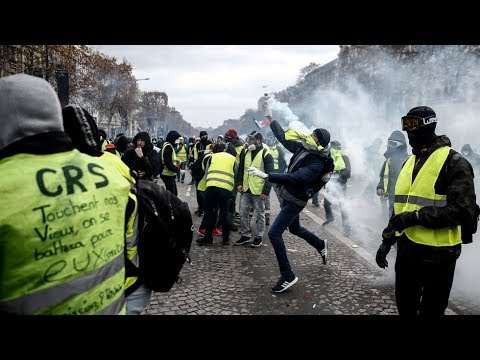 yellow vests march under lsquo macron resign rsquo motto huge numbers of police deployed