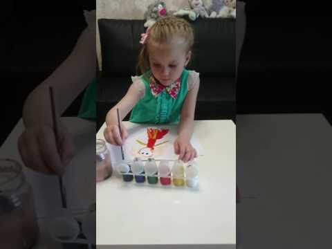 Полиночка рисует принцессу