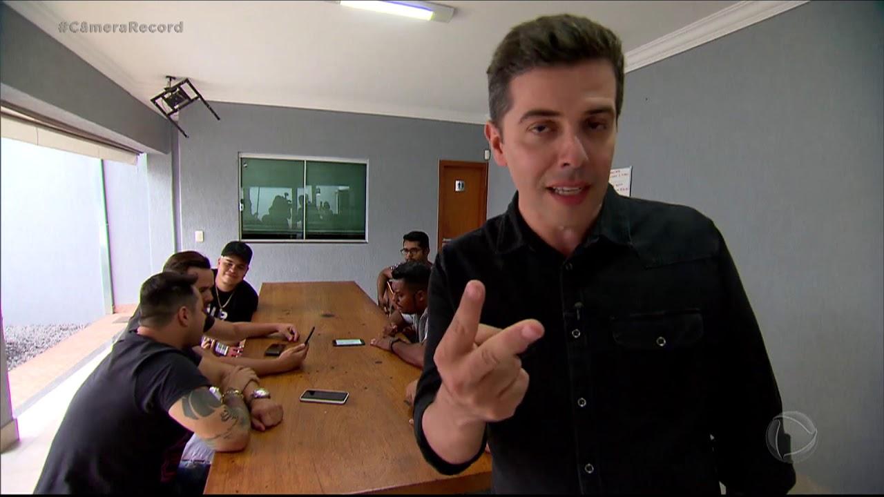República de jovens compositores lança hits famosos do sertanejo