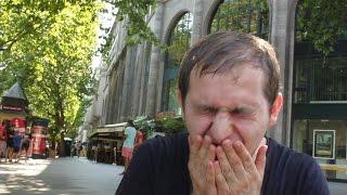 Adam isst schärfste Currywurst Berlins
