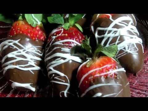 Black And Gold Chocolate Covered Strawberries