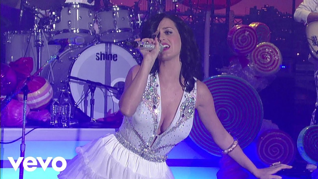 katy-perry-i-kissed-a-girl-live-on-letterman-katyperryvevo