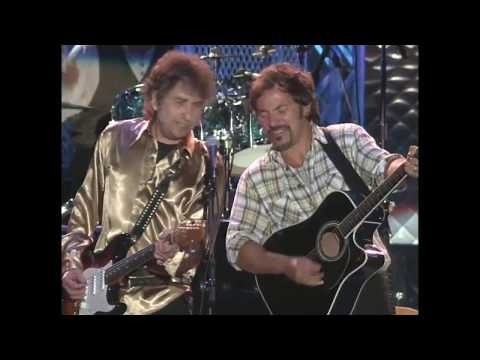 """Bob Dylan, Bruce Springsteen perform """"Forever Young"""" at the Concert for the Rock & Roll Hall of Fame"""