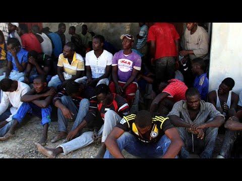 السلطات الليبية تعثر على نحو 90 مهاجراً و8 جثث داخل شاحنة لحوم…  - نشر قبل 3 ساعة