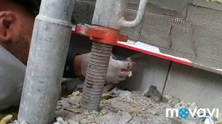 Установка капельника с сеткой в месте примыкания системы утепления к цоколю, втапливаем в клей
