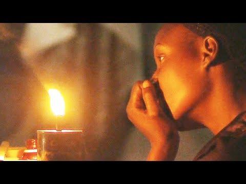 Au beau milieu du noir : la vie sans courant au Congo (documentaire entier)