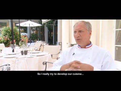 LE BRISTOL PARIS - INTERVIEW WITH ERIC FRECHON - MICHELIN-STARRED CHEF - HOTEL DINING IN FRANCE
