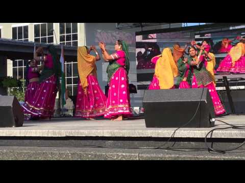 India Day Performance - Va Vaya Ne Vadal Umatya ~ Gujarati Raas-Garba By Narsinh Mehta