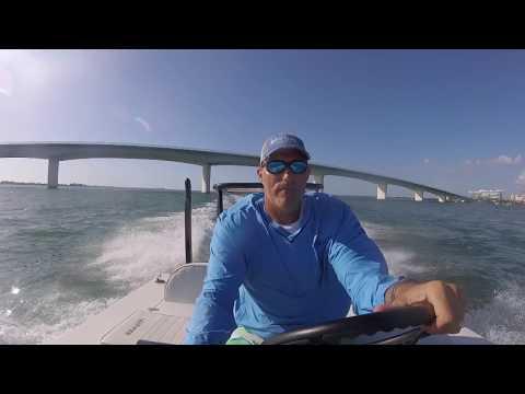 Hewes Redfisher 18 In Sarasota Bay Chop