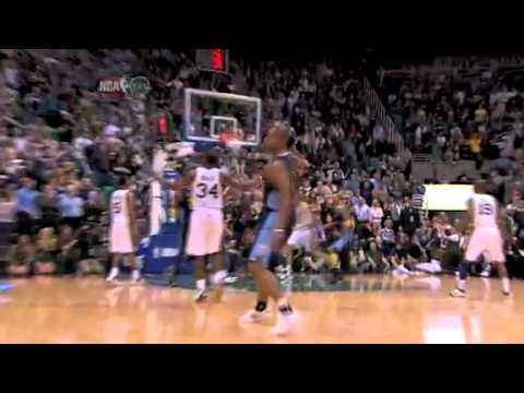 Arron Afflalo hits the big 3-pointer to put the Nuggets ahead by four point