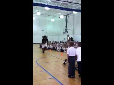 Rumble dunks at Monte Cassino School in Tulsa