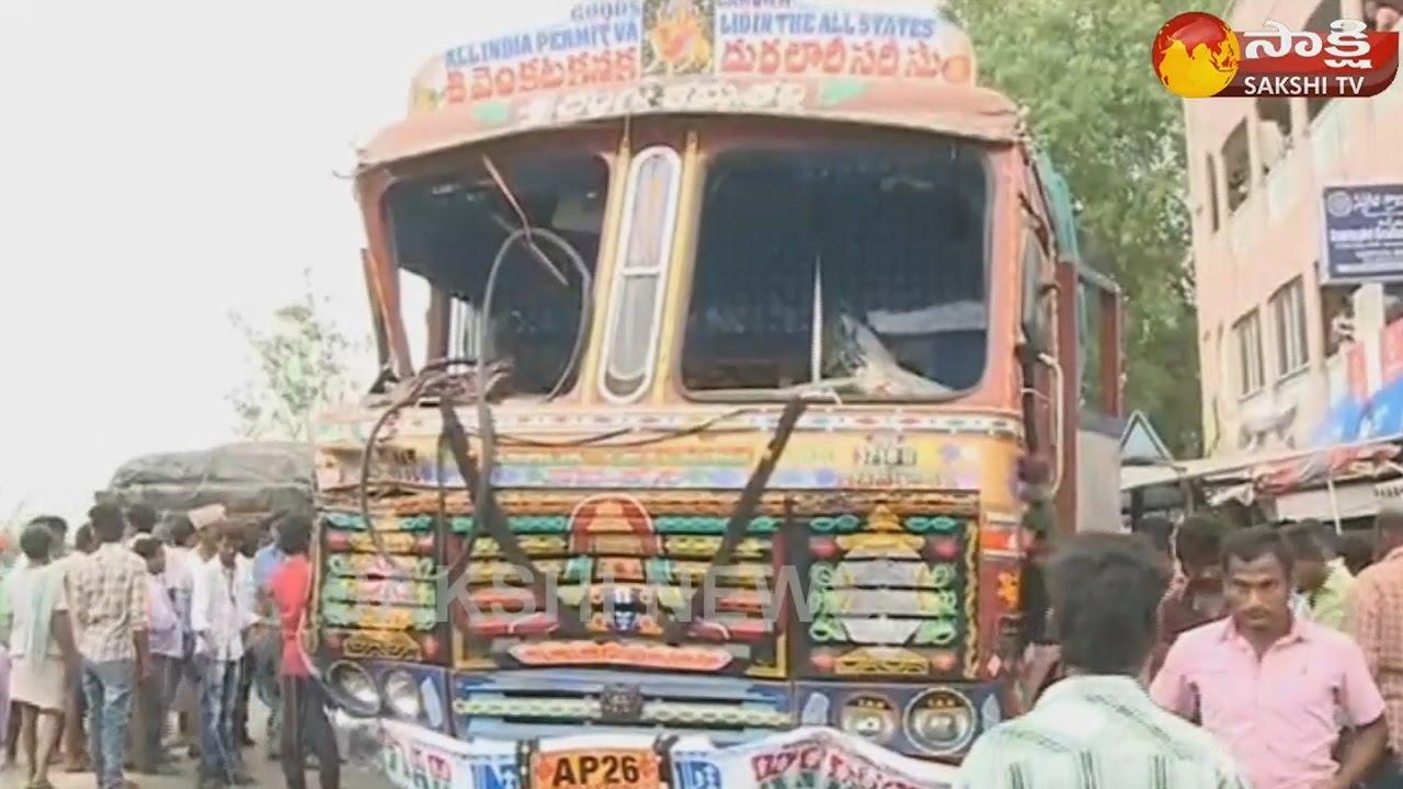 ys-jagan-to-visit-chittoor-road-accident-victims-at-munagapalyam