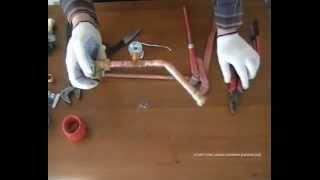 Медные трубы (монтаж, пайка)(Обучающее видео по работе с медными трубами. Монтаж фитингов, пайка соединений, резка труб. Наш сайт: http://от..., 2014-12-27T04:04:28.000Z)