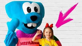 Hide and seek big doll Megadesha and Vitalina!Pretend Play Megadesha for kids and children!