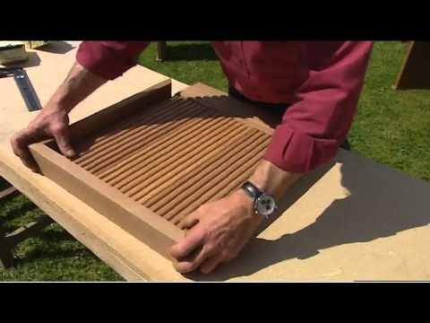 bricoler avec roger fabriquer des meubles de jardin youtube. Black Bedroom Furniture Sets. Home Design Ideas