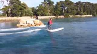 SUP-surfing de vague statique en Bretagne (Stand Up Paddle).