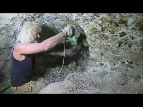 Sapphire Mining Australia ,Tim's Adventures [ V: 130 ]
