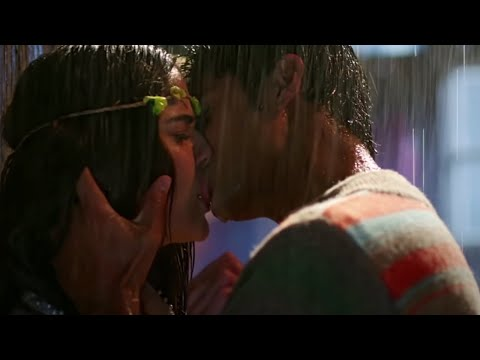 Romantic Kissing Scenes of Bollywood...