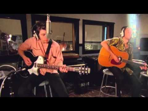 Miracle Aligner – (Live at Vox Studios)The Last Shadow Puppets