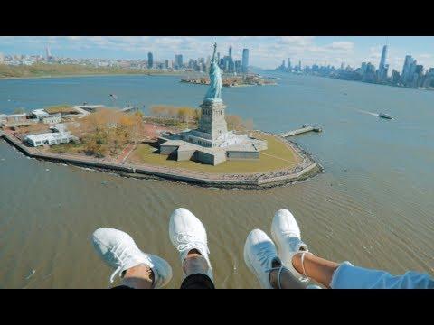 Над Нью-Йорком на вертолете без дверей!