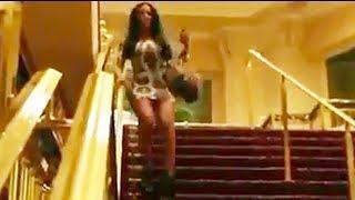 Repeat youtube video Caidas De Mujeres - nuevos vídeos - parte 2 ( Girls Fail Compilation )