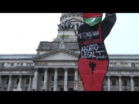 """""""Pañuelazo"""" verde en Argentina en favor de legalizar el aborto"""