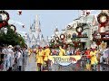 Rainy Day Cavalcade at Magic Kingdom 2018 Christmas Season w/Nick & Judy, Mickey, Mr. Incredible +