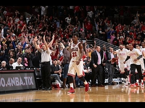 Jimmy Butler Beats the Buzzer to Ground the Hawks - Taco Bell Buzzer Beaters