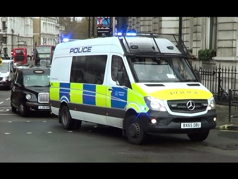 London Met Police van & armed response vehicle (ARV) responding [UK | 15.4.2016]