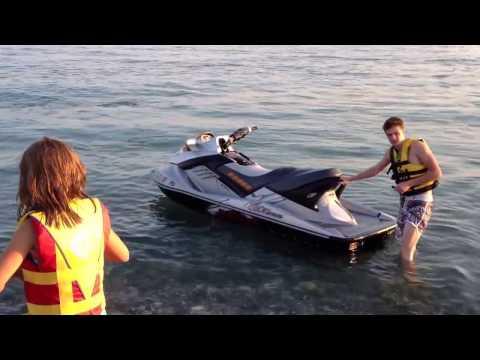 Катание водном мотоцикле, гидроцикле