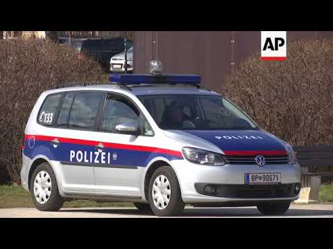 Man tries to attack police guard outside Austrian parliament