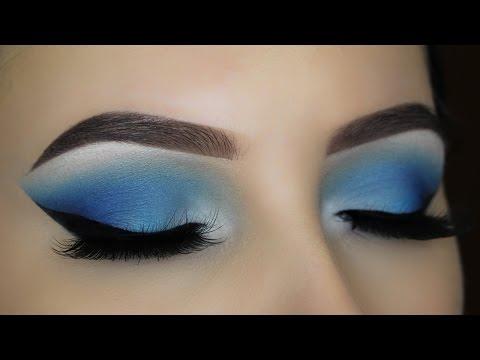 blue-smokey-eye-makeup-tutorial