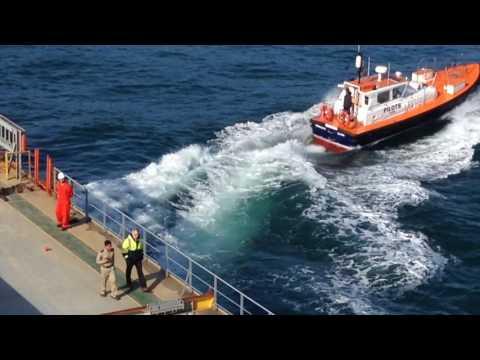 IISANG BANGKA (Augustea's MV ABY Diva - Actual Ship Maneuvering)