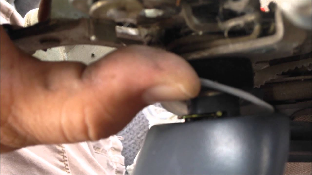 Junkyard Disassembly Toyota Previa Sliding Door Handle Youtube