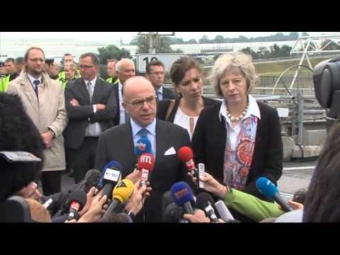 Migrants : déclaration de Bernard Cazeneuve à Calais