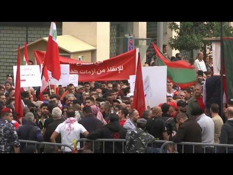 لبنان: 7 أشهر مضت ولا حكومة في الأفق.. عشرات اللبنانيين الغاضبين في شوارع بيروت…  - نشر قبل 2 ساعة