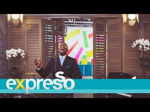 """Khaya Mthethwa Performs """"Settle For Less"""" LIVE!"""