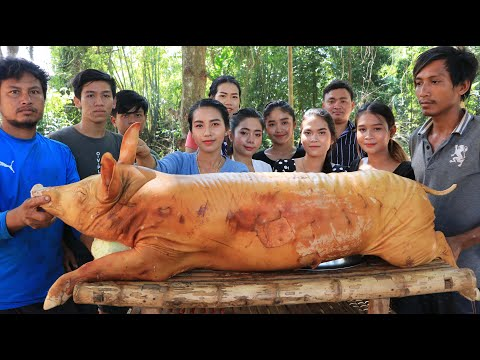 Wow amazing cooking pork soup and roasted in my village - Amazing video