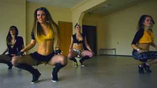 Repeat youtube video Reggaeton school battle by RAKATAKA dance team